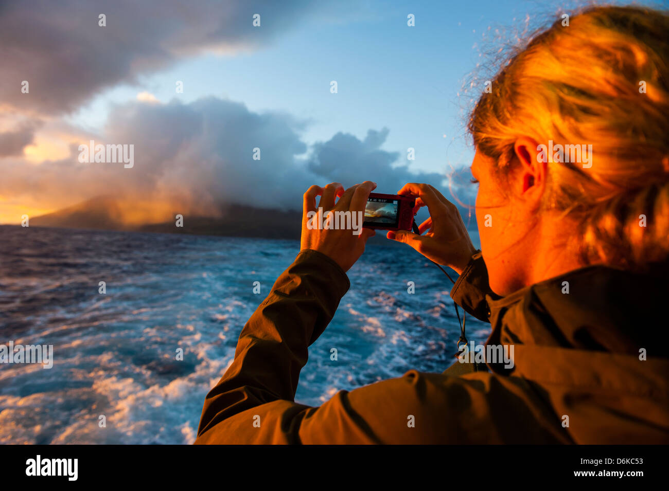 Touristeninsel fotografieren Tau bei Sonnenaufgang, Tayna Insel Gruppe, Amerikanisch-Samoa, Südsee, Pazifik Stockbild