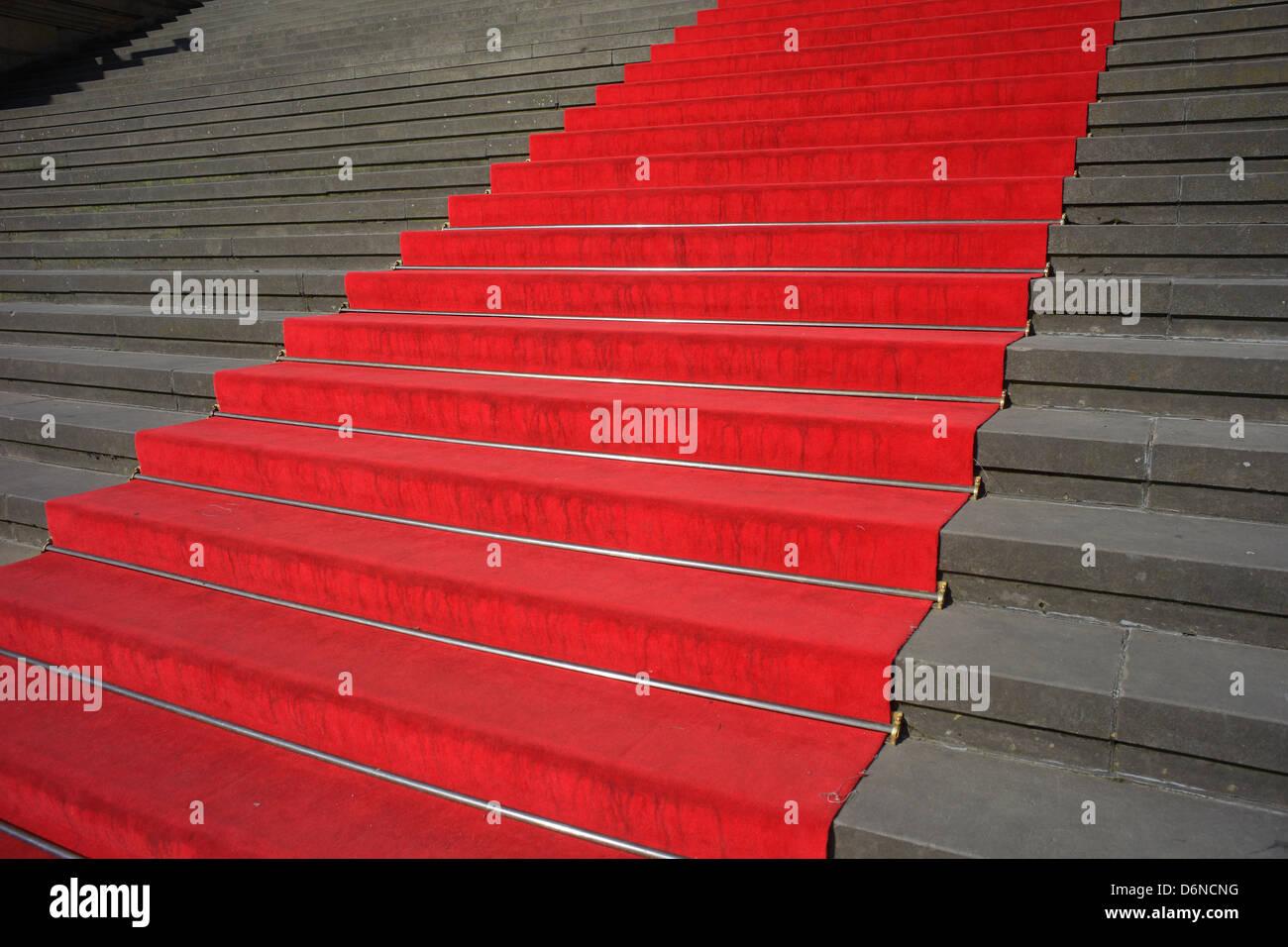 Berlin, Deutschland, roten Teppich auf der Treppe im Konzerthaus am Gendarmenmarkt Stockbild
