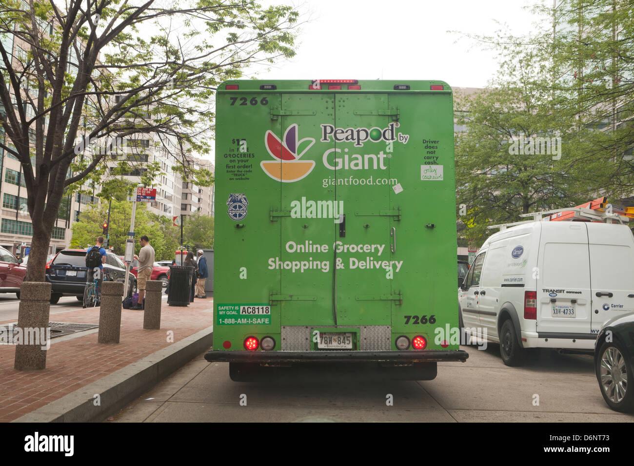 Peapod Giant Lebensmittelgeschäft Lieferwagen Stockbild