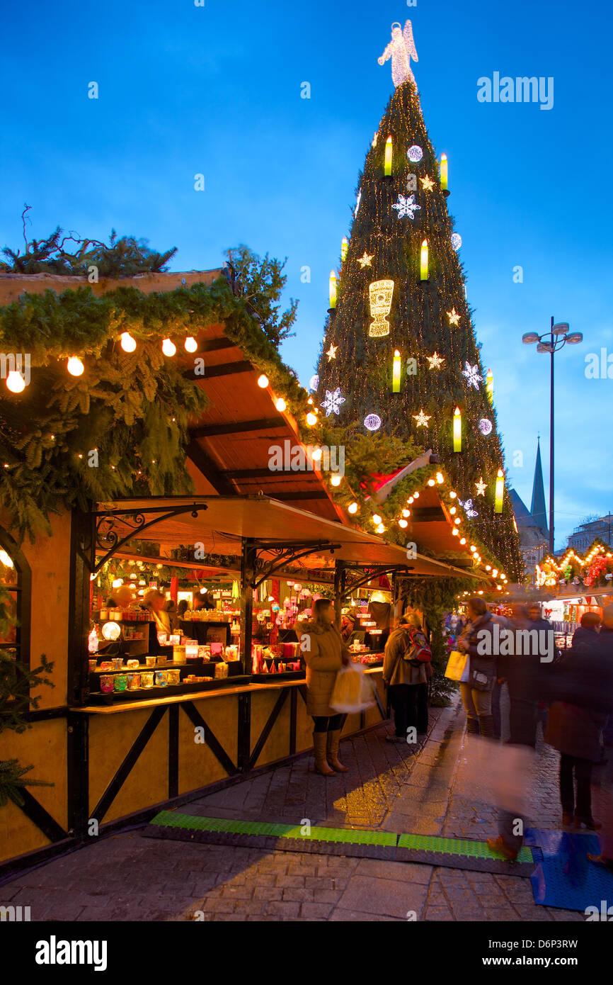 Wo Ist Der Größte Weihnachtsmarkt.Weihnachtsmarkt Und Der Größte Weihnachtsbaum Der Welt Hansaplatz