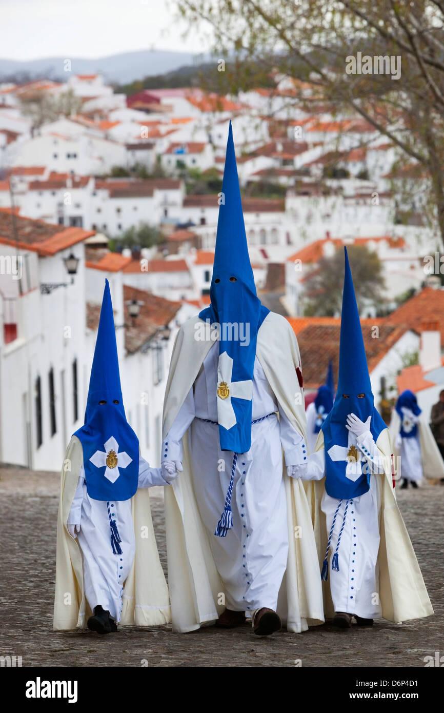Büßer während der Semana Santa (Karwoche), Aracena, Huelva, Andalusien, Spanien, Europa Stockfoto