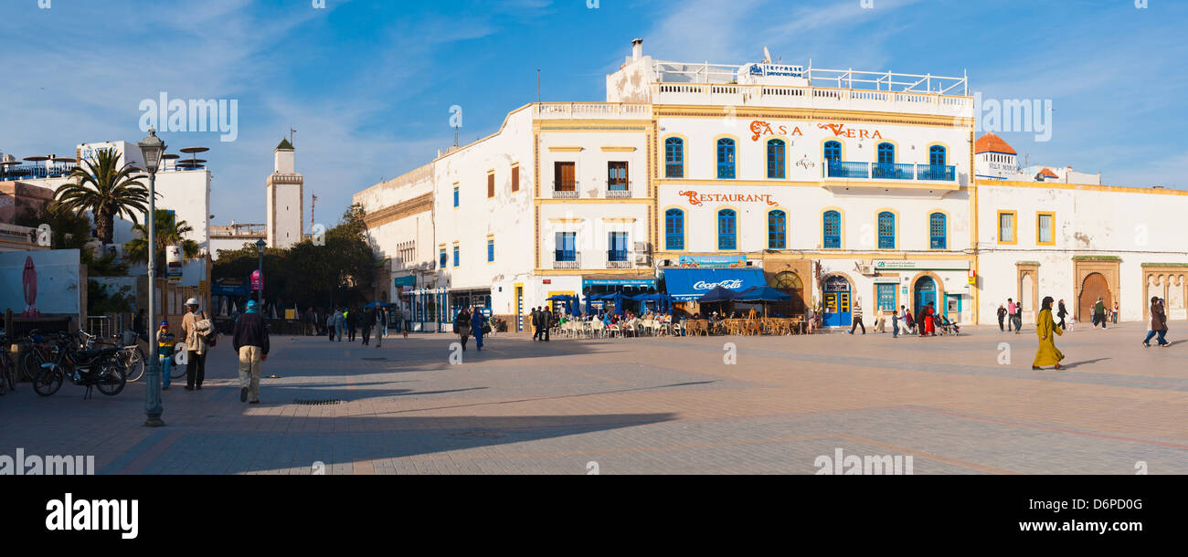 Panorama-Foto von Moulay Assan Platz, Essaouira, UNESCO World Heritage Site, auf der Küste von Marokko, Nordafrika, Stockbild