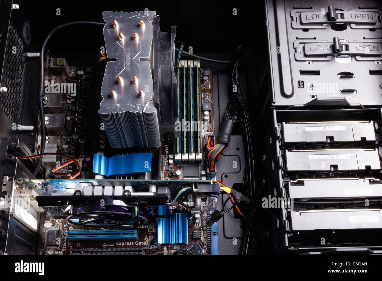 Desktop Computer With Cpu Stockfotos & Desktop Computer With Cpu ...