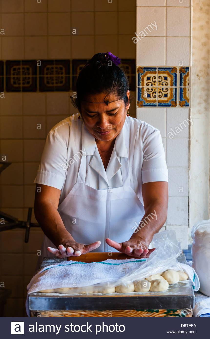 Mexican Woman Cafe Stockfotos & Mexican Woman Cafe Bilder - Alamy