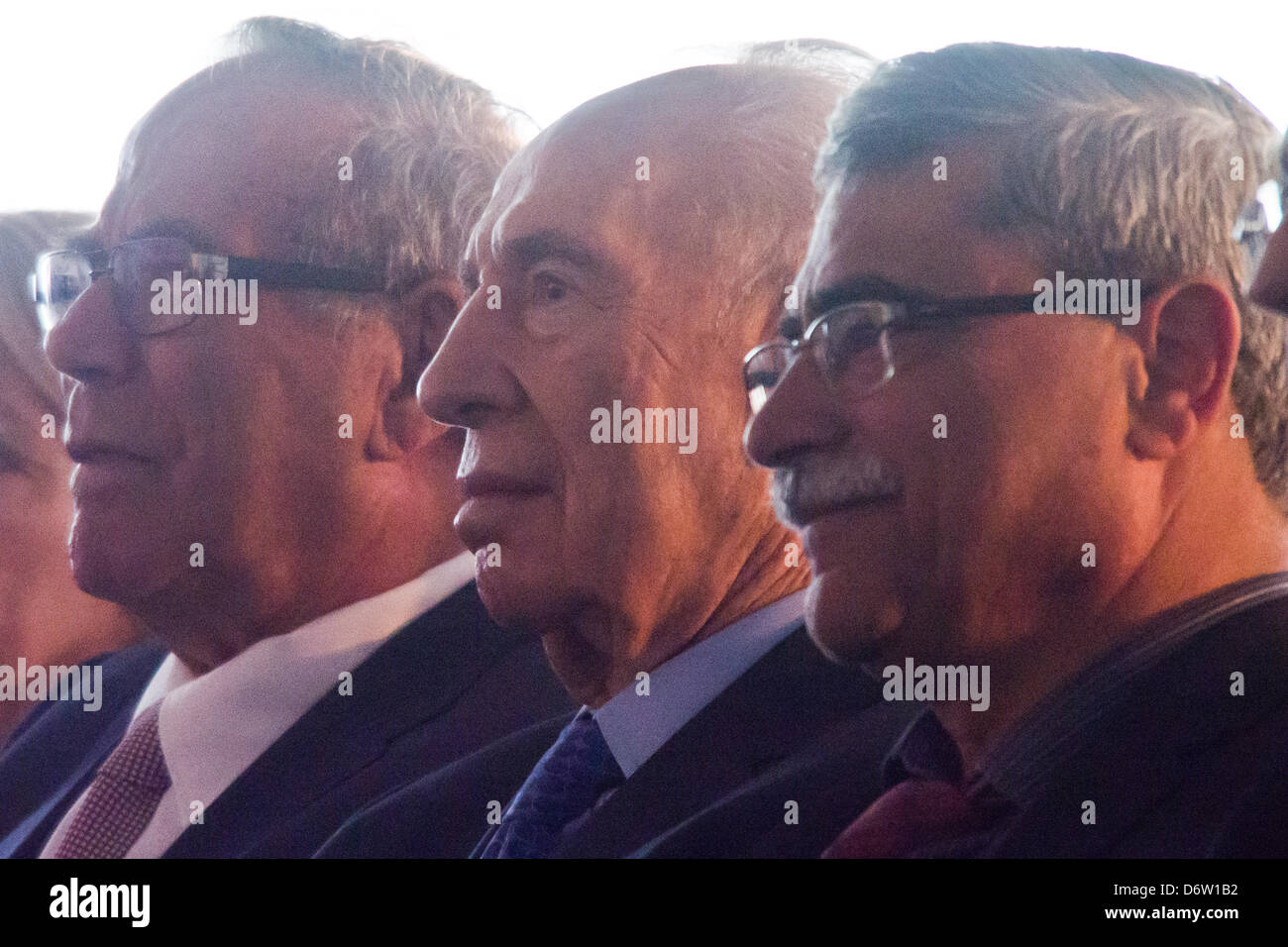 Nazareth, Israel. 23. April 2013. L-T-r: industrieller und Unternehmer Stef Wertheimer, Präsident des Staates Stockbild