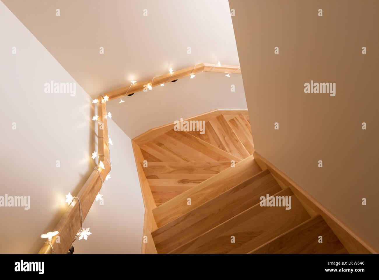 Gemutliche Beleuchtung Dekoration Holztreppe Wohnlandschaft