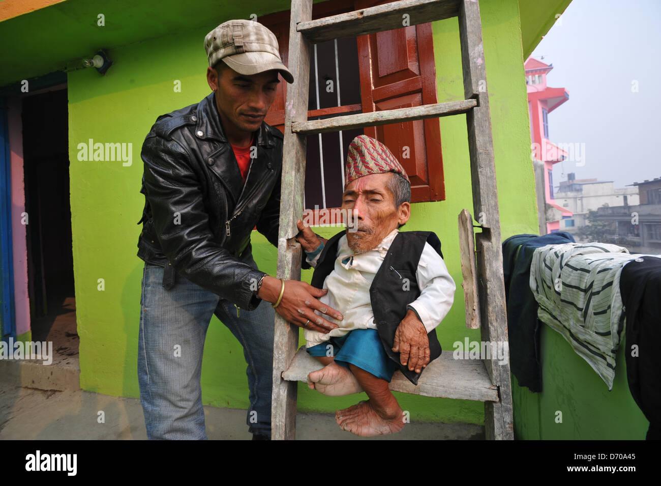 Seventy Two Year Old Gesetzt Zu Werden Kleinste Mann In Der