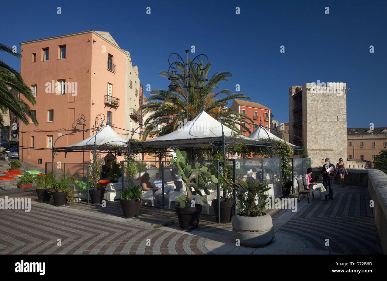 Buffet Italiano Cagliari : Cagliari italien das café libarium nostrum stockfoto bild