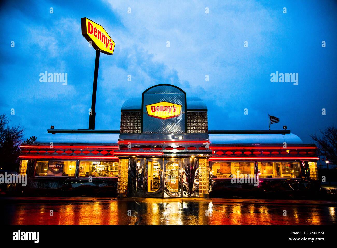 Dennys Diner Und Restaurant Stockfoto Bild 56025220 Alamy