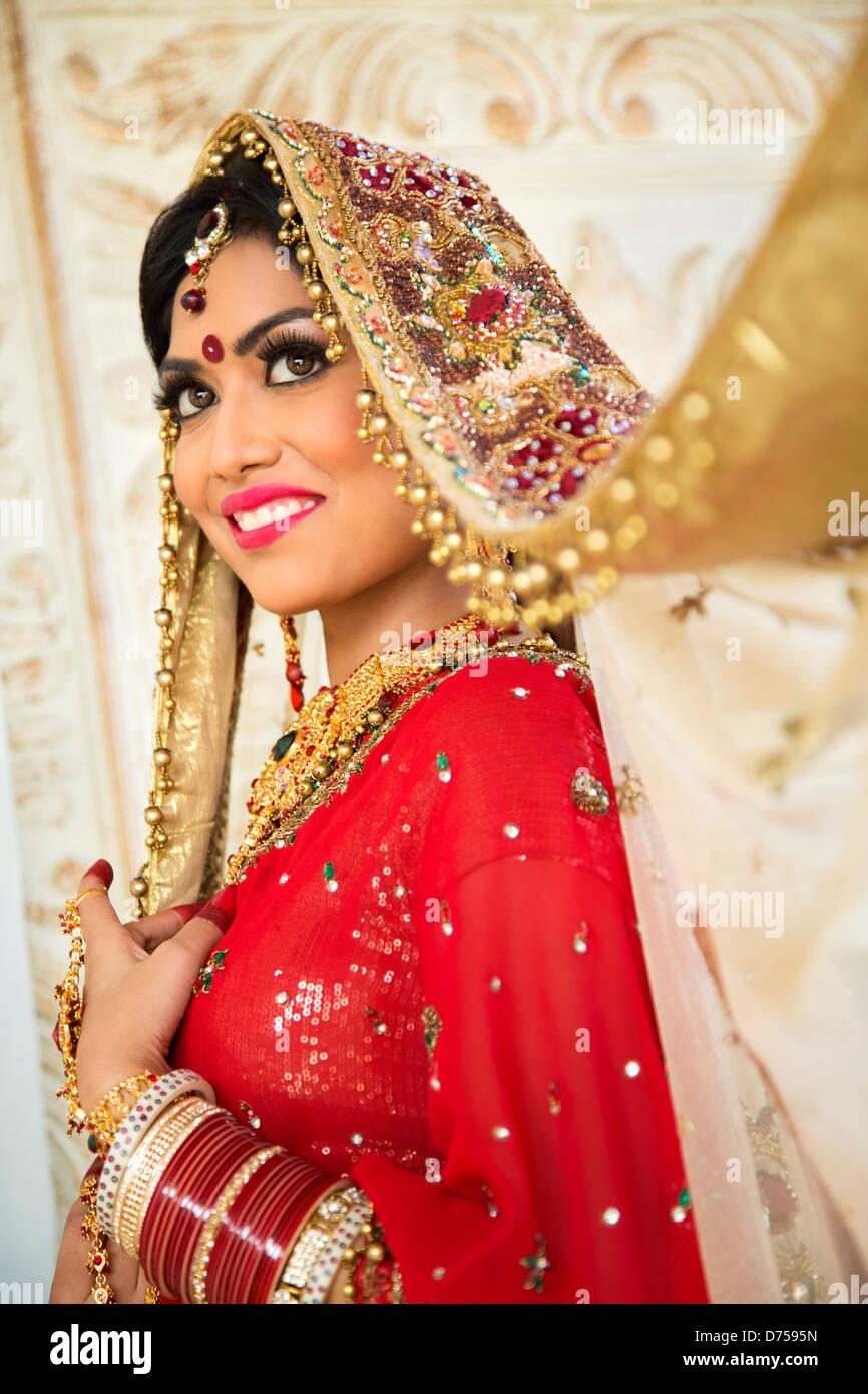 Charmant Indian Braut Brautkleid Ideen - Brautkleider Ideen ...