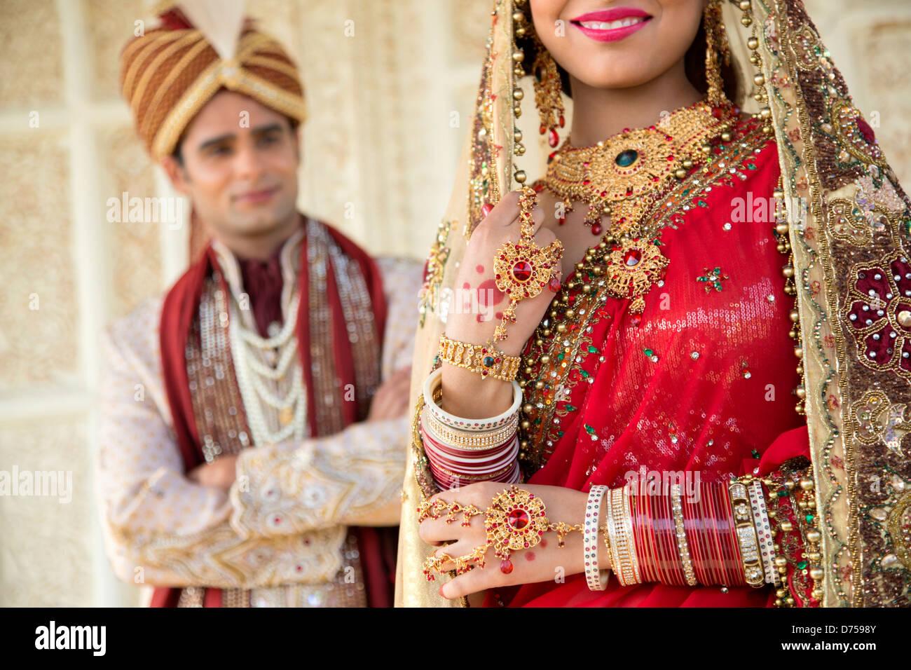 Gemütlich Brautkleider Für Bräutigam In Der Indischen Fotos ...