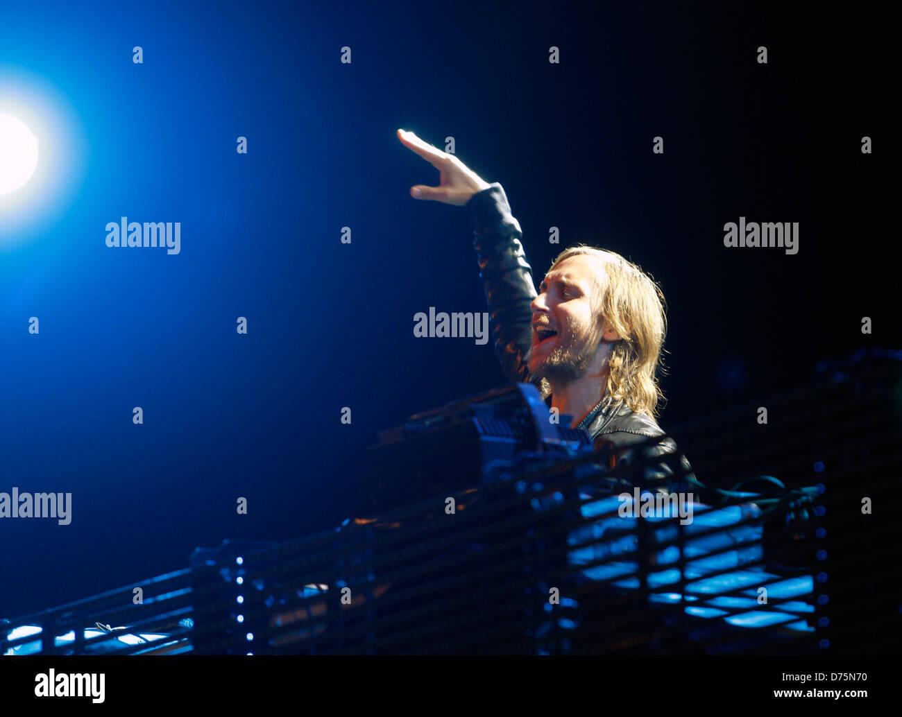 Französische Musiker David Guetta führt während eines live-Events in der spanischen Baleareninsel Stockbild
