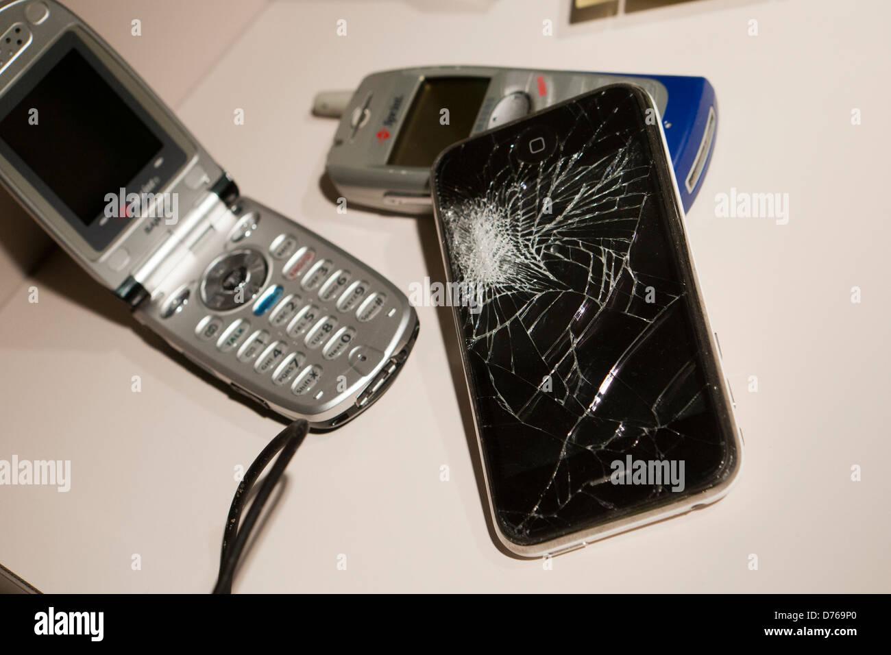 Smartphone-Display gebrochen Stockbild
