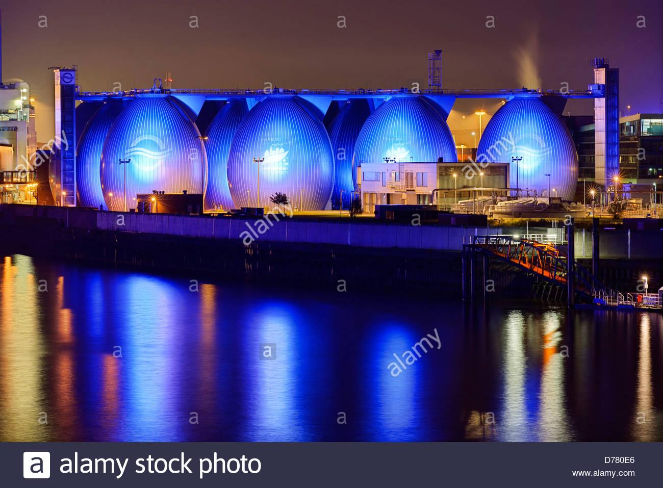 Beleuchtung Blue Port von Michael Batz, Kläranlage Köhlbrandhöft in Steinwerder, Hamburg, Deutschland, Stockbild