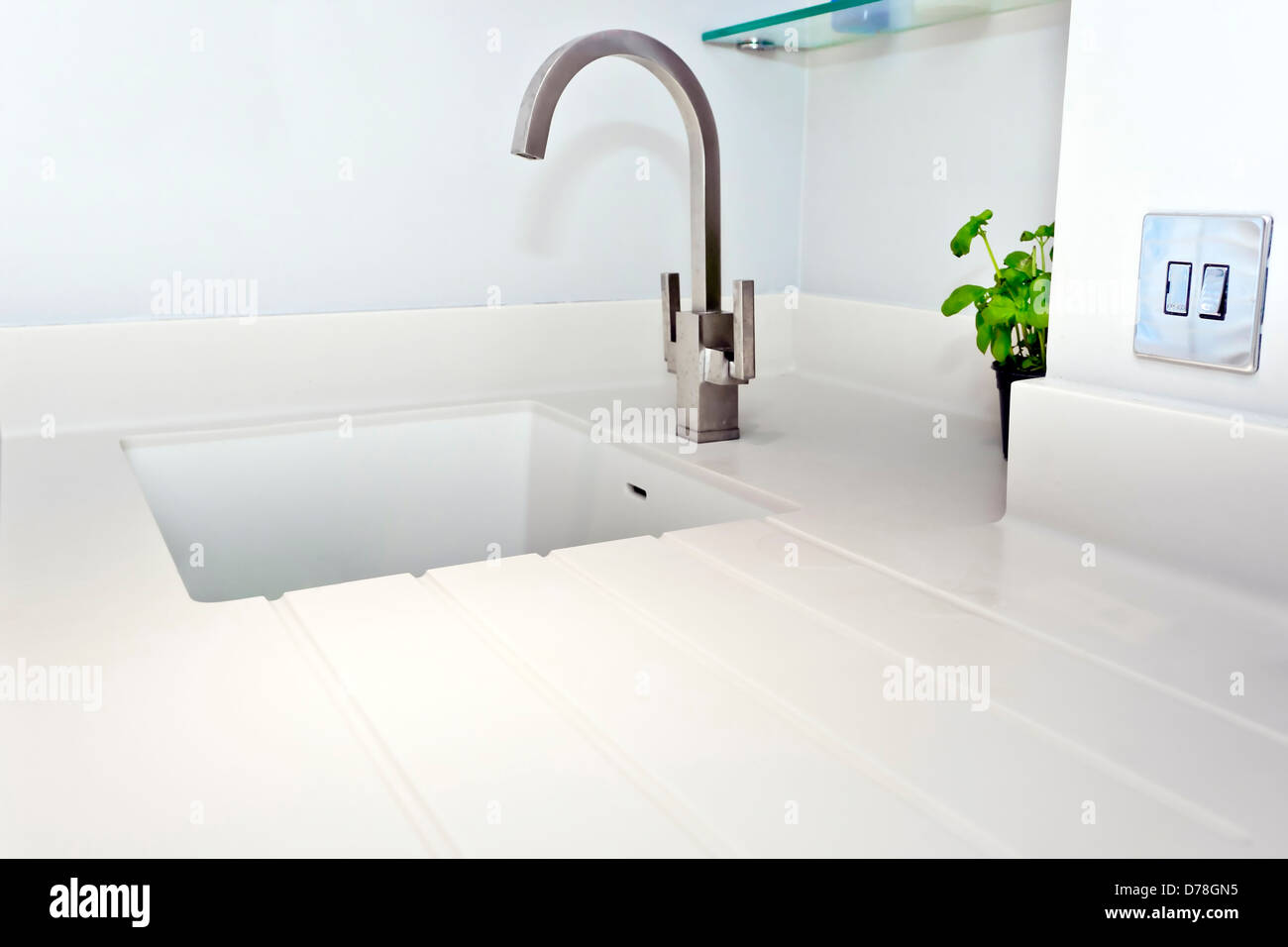 Ceramic Sink Stockfotos & Ceramic Sink Bilder - Alamy