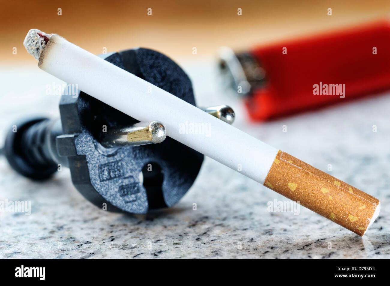 Elektrische Zigarette, symbolische Foto, Elektrische Zigarette, Symbolfoto Stockbild