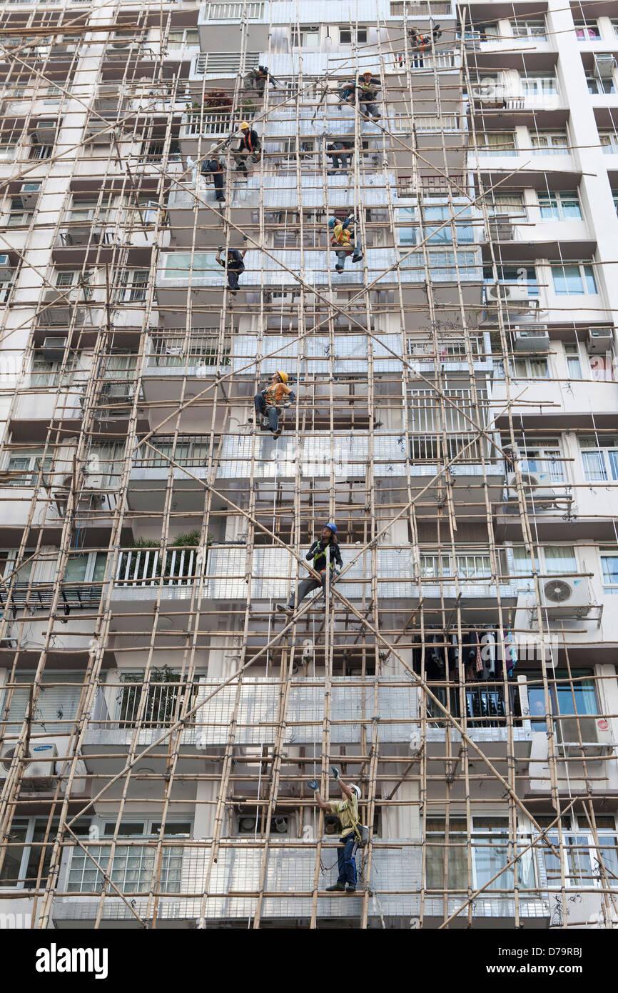 Bauherren Mit Bambus Gerust In Hong Kong Stockfoto Bild 56149622