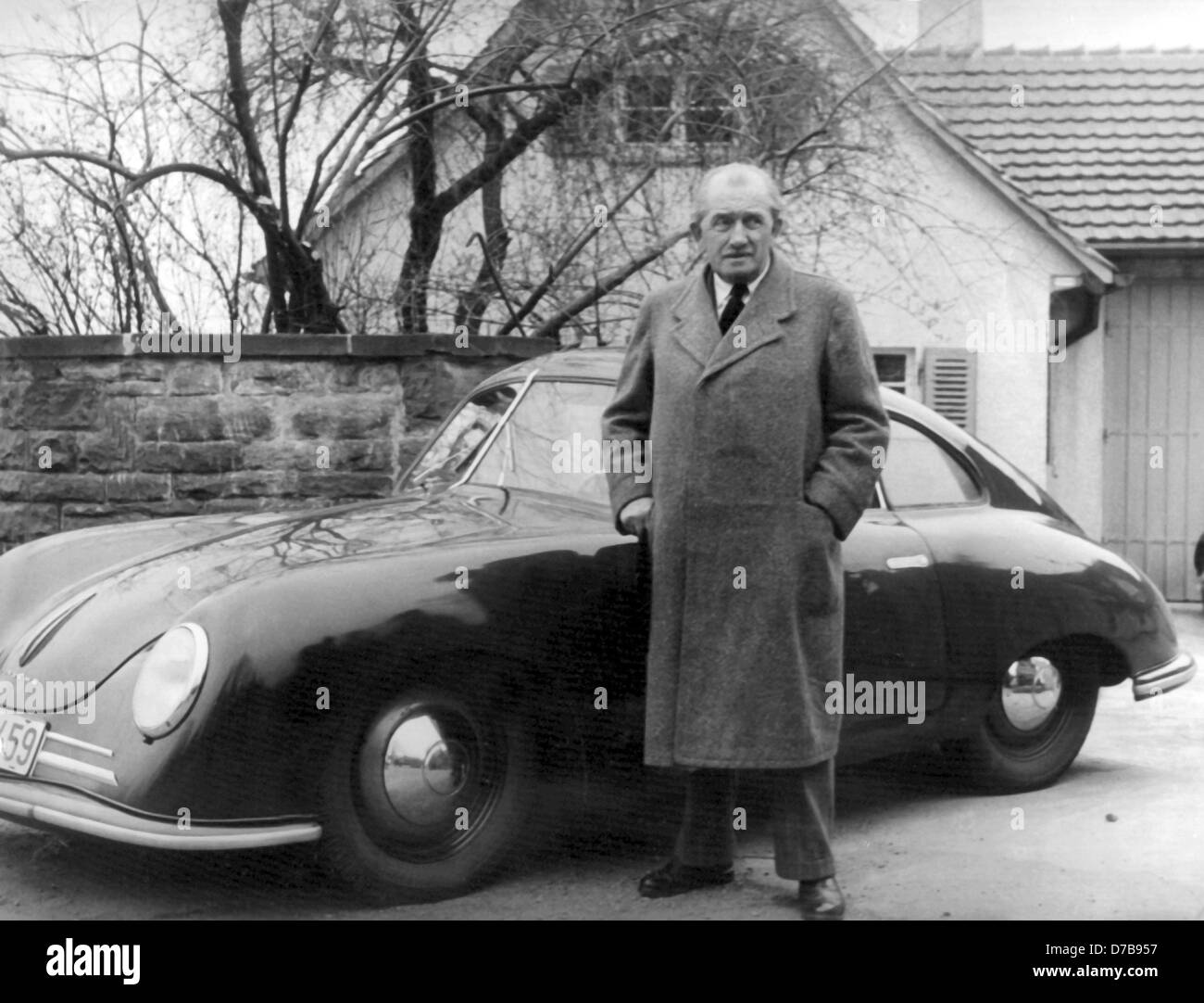 dr ferdinand porsche stockfotos dr ferdinand porsche bilder alamy. Black Bedroom Furniture Sets. Home Design Ideas