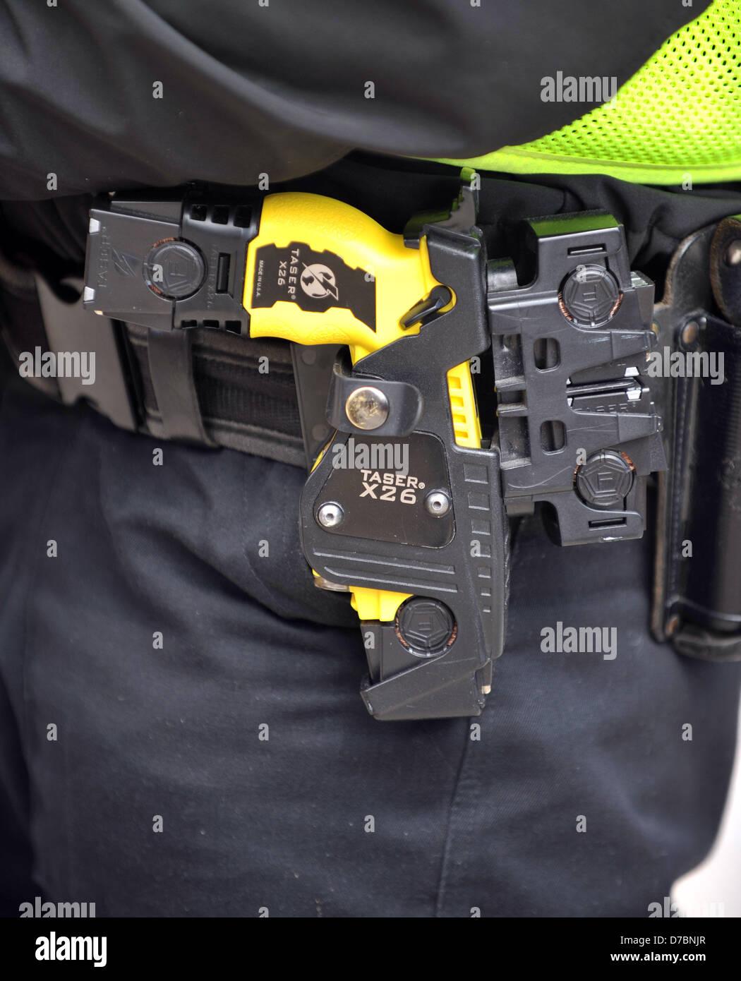 Taser, Polizei Taser-Waffe, X26 Taser, UK Stockbild