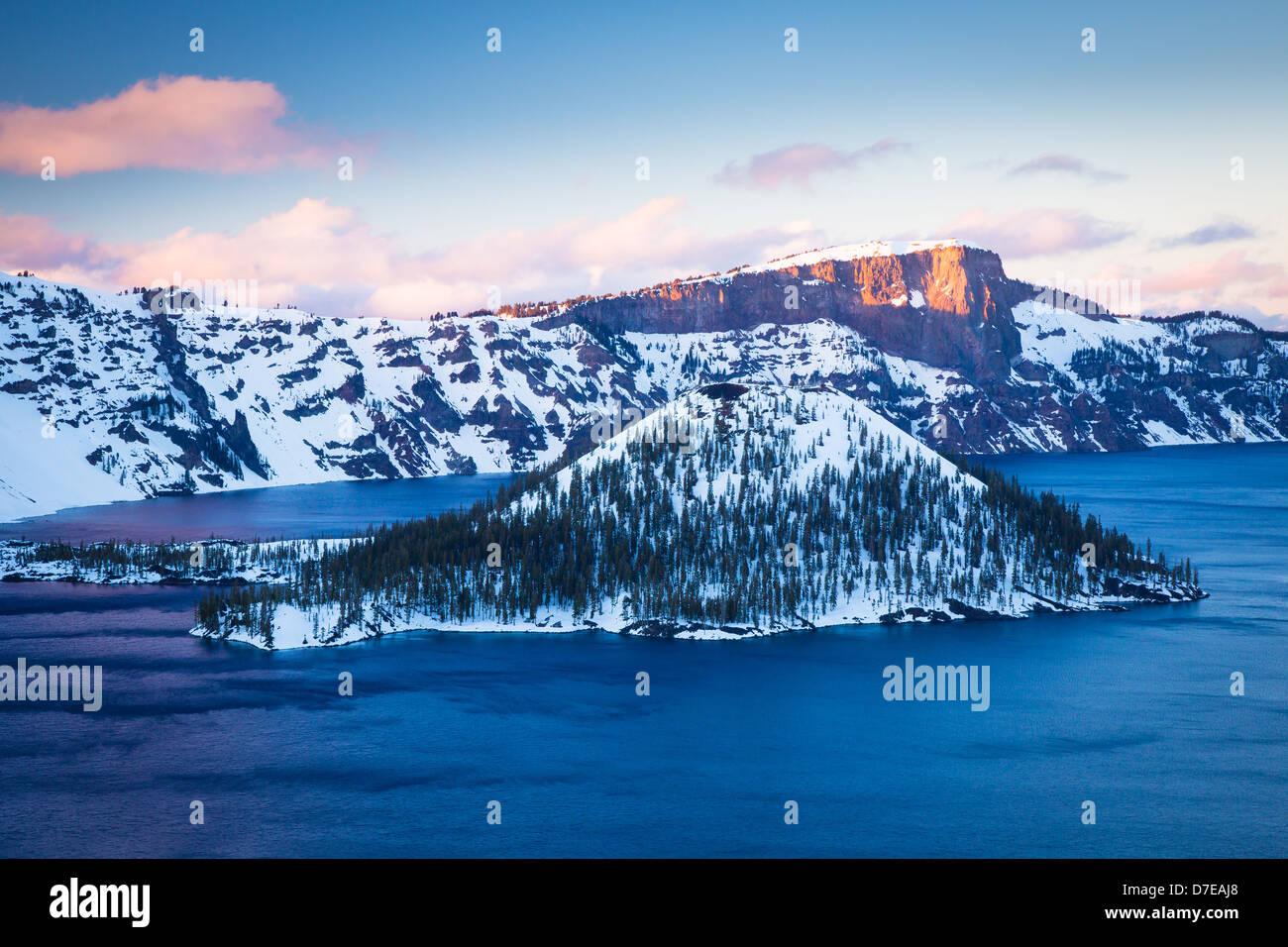 Crater Lake Nationalpark, befindet sich im südlichen Oregon, im winter Stockbild