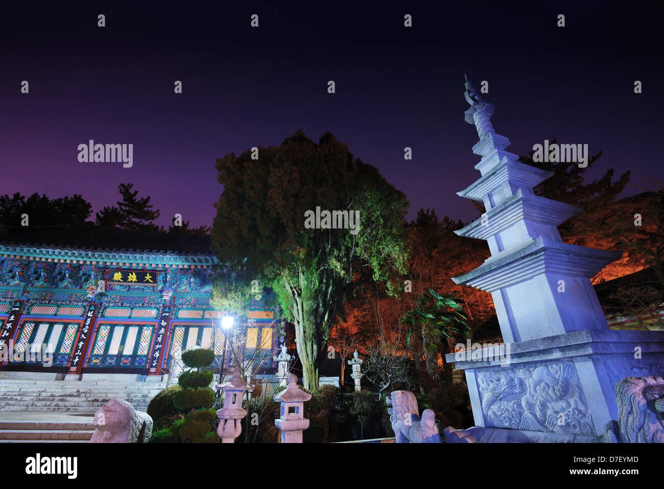 Pokposa Tempel am Fuße des Berges Jangsan in Busan, Südkorea Stockbild