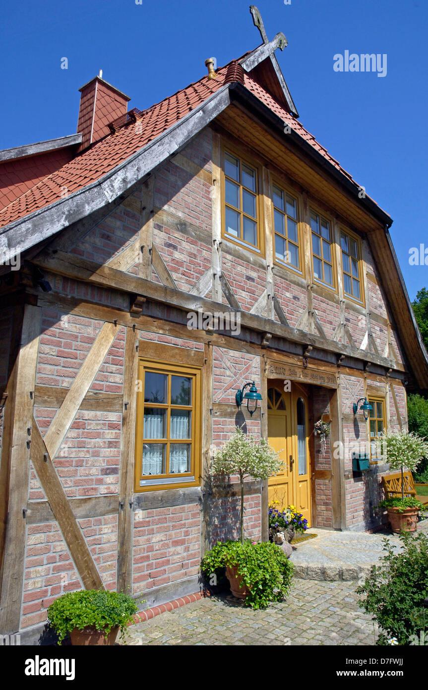 Architektur in Isernhagen, Deutschland, Niedersachsen, traditionelle Gebäude, Bau, Stockbild