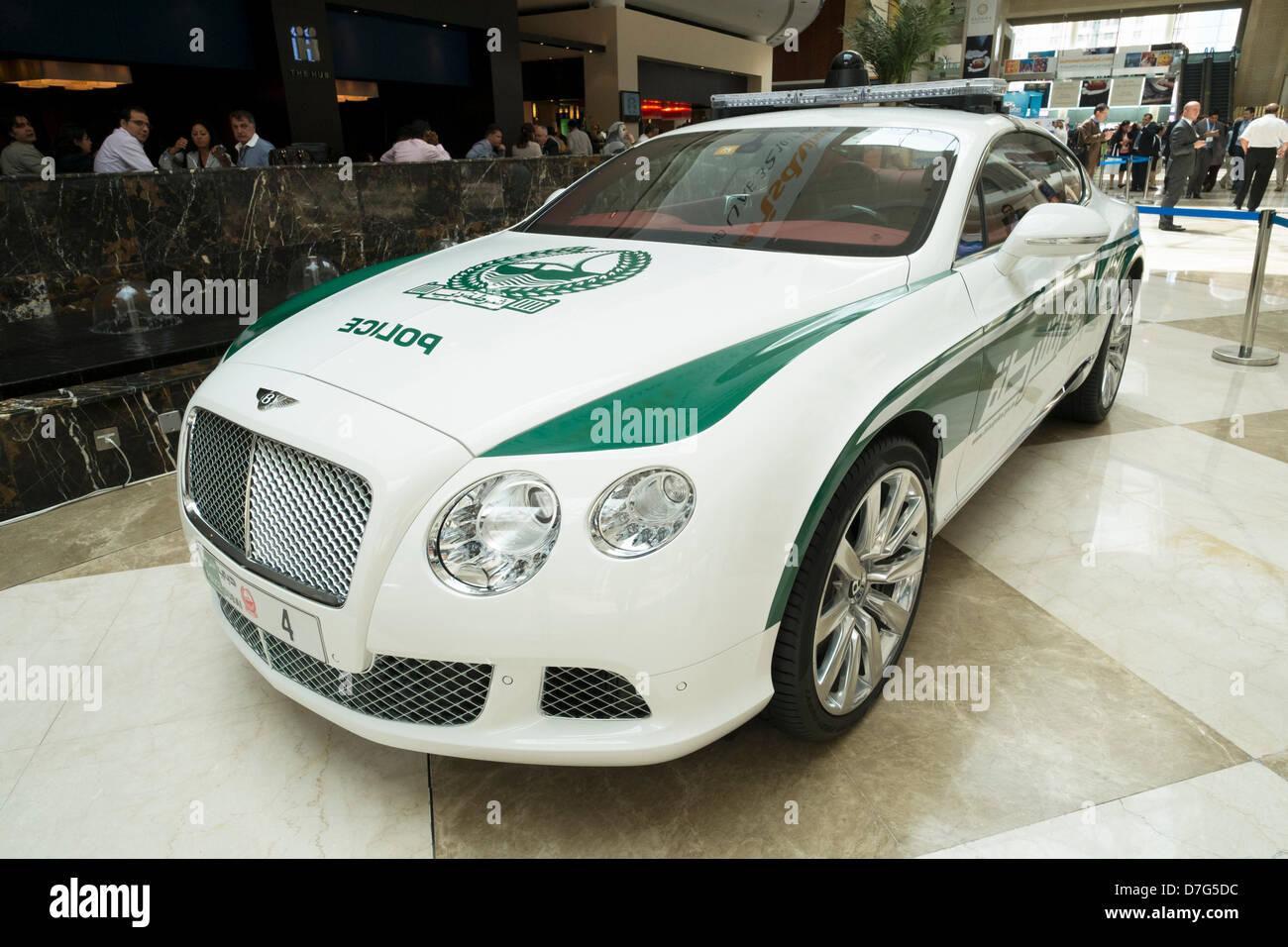 Dubai, Vereinigte Arabische Emirate. 7. Mai 2013. High-Performance Bentley Continental GT Dubai Polizei Auto auf Stockbild