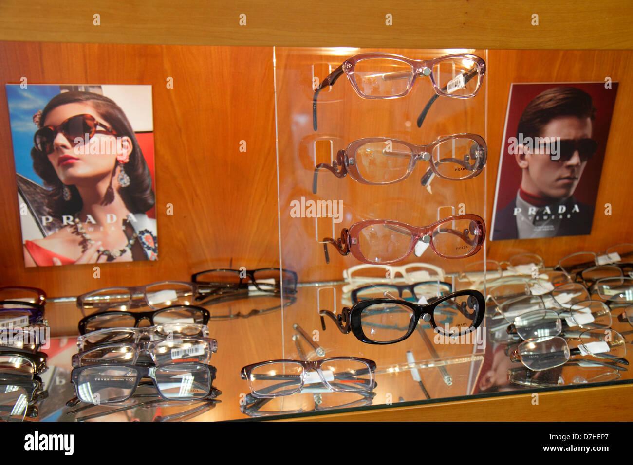 Miami Beach Florida Optiker Büro Sonnenbrillen Brillen modischen ...