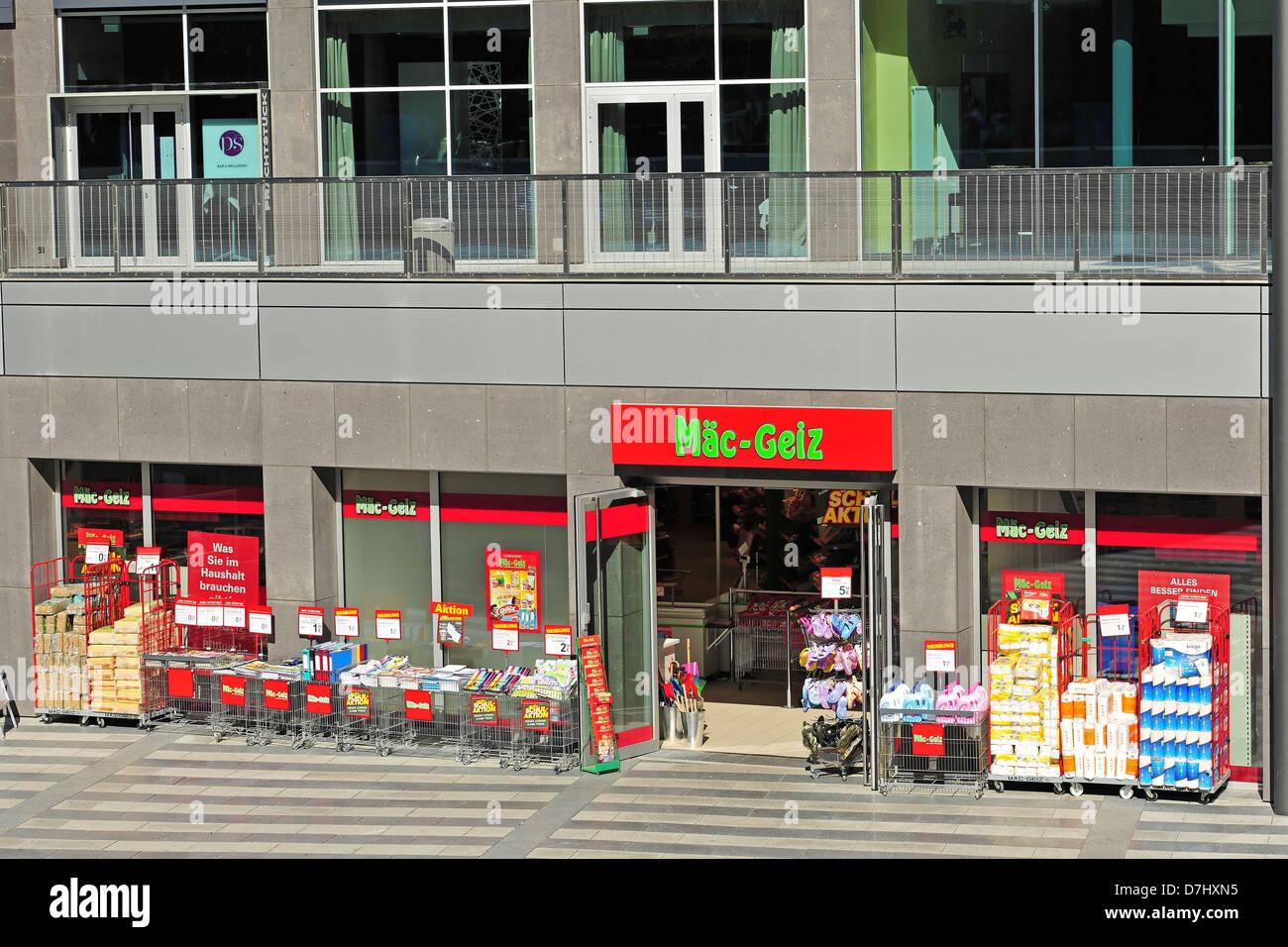 Unternehmen Firmenschilder Namen Logo Mäc Geiz Stockfoto Bild