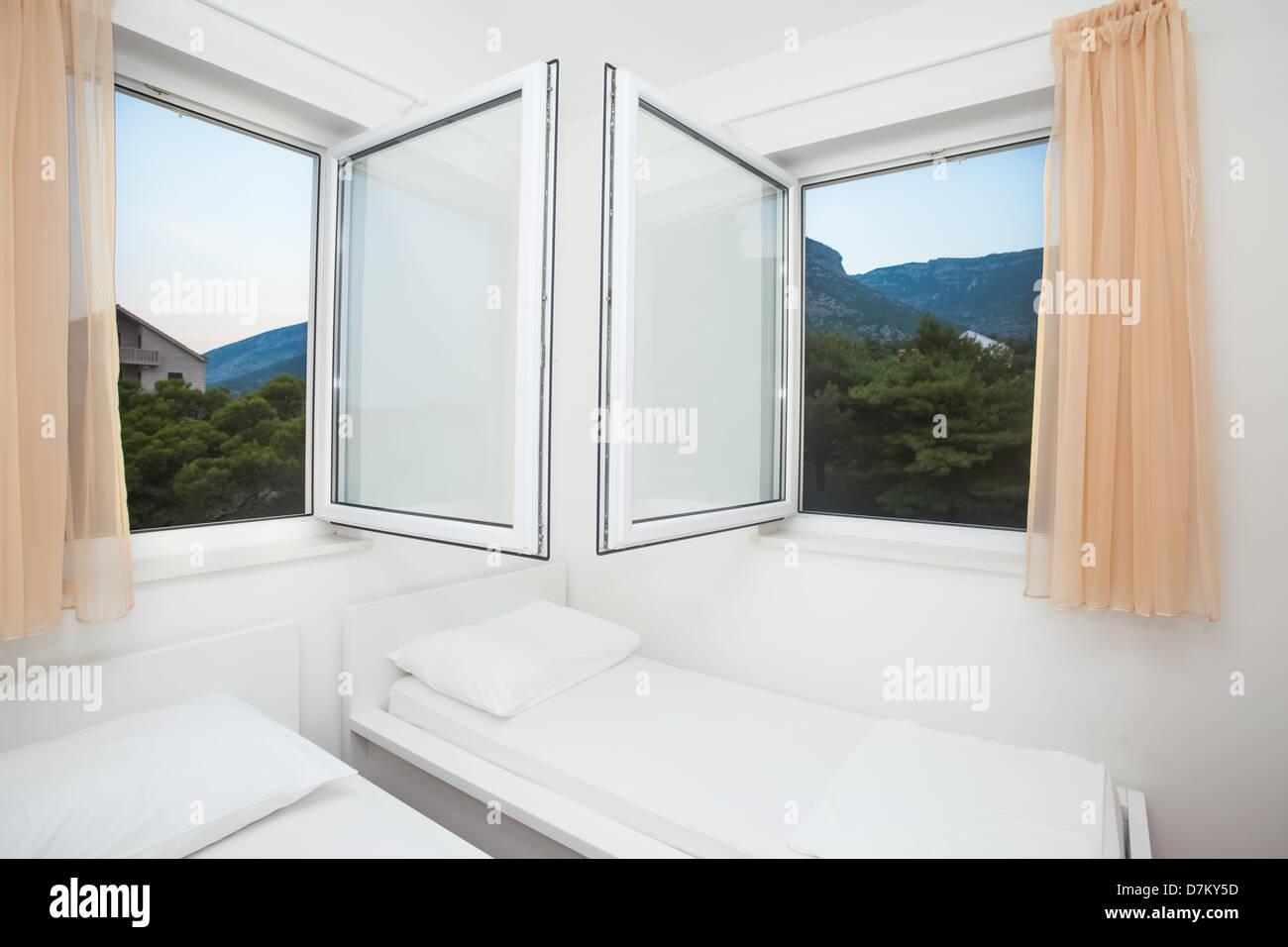 Moderne Und Helle Schlafzimmer Einrichtung Im Mediterranen Stil