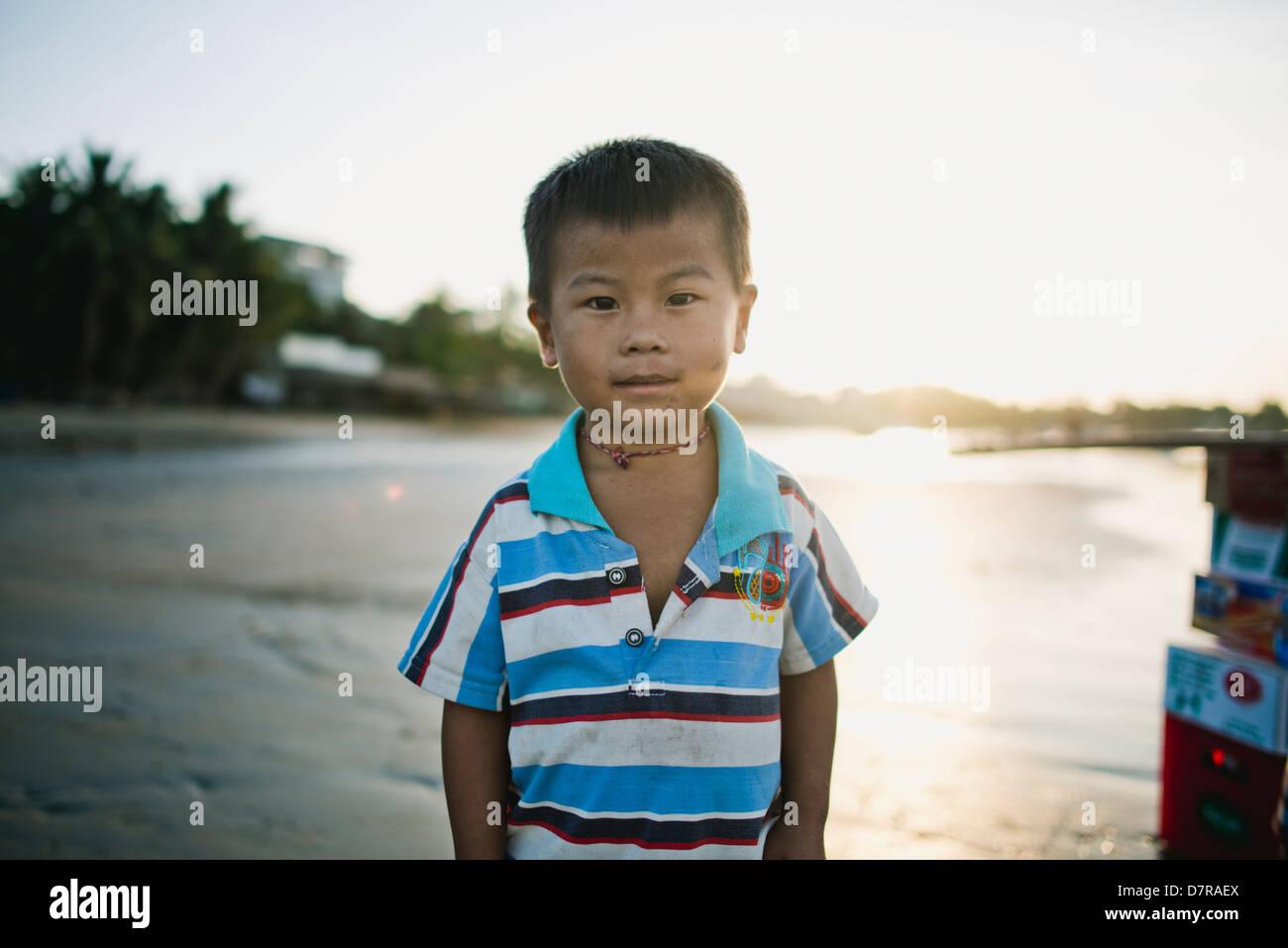 Vietnam Jungen