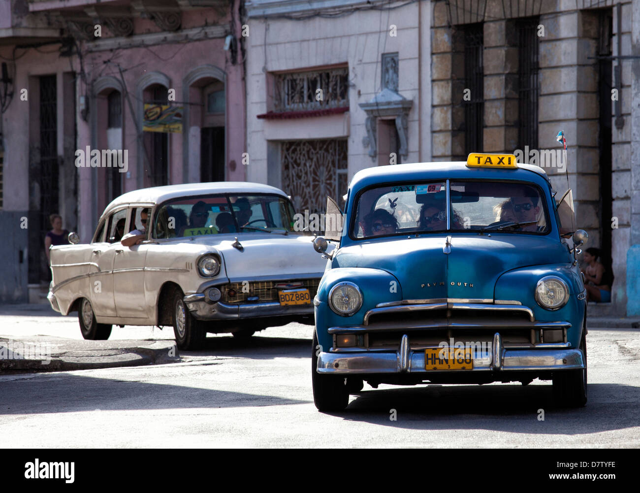 amerikanische oldtimer taxi auf avenue colon w hrend der. Black Bedroom Furniture Sets. Home Design Ideas