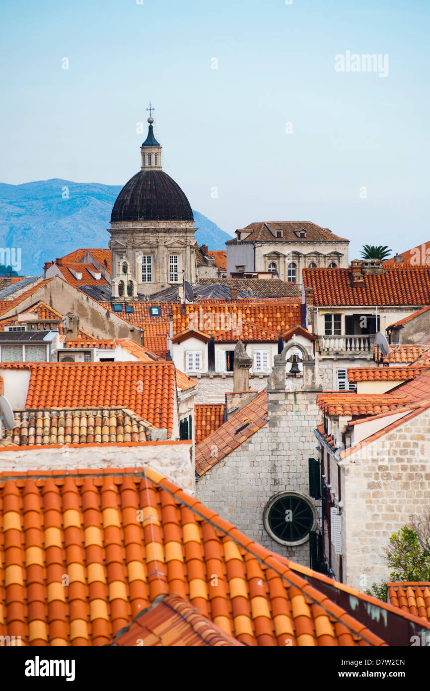Dubrovnik-Kathedrale Spire, gesehen von Dalmatien, Kroatien, Dubrovnik, Dubrovnik Stadtmauer, UNESCO-Weltkulturerbe Stockbild