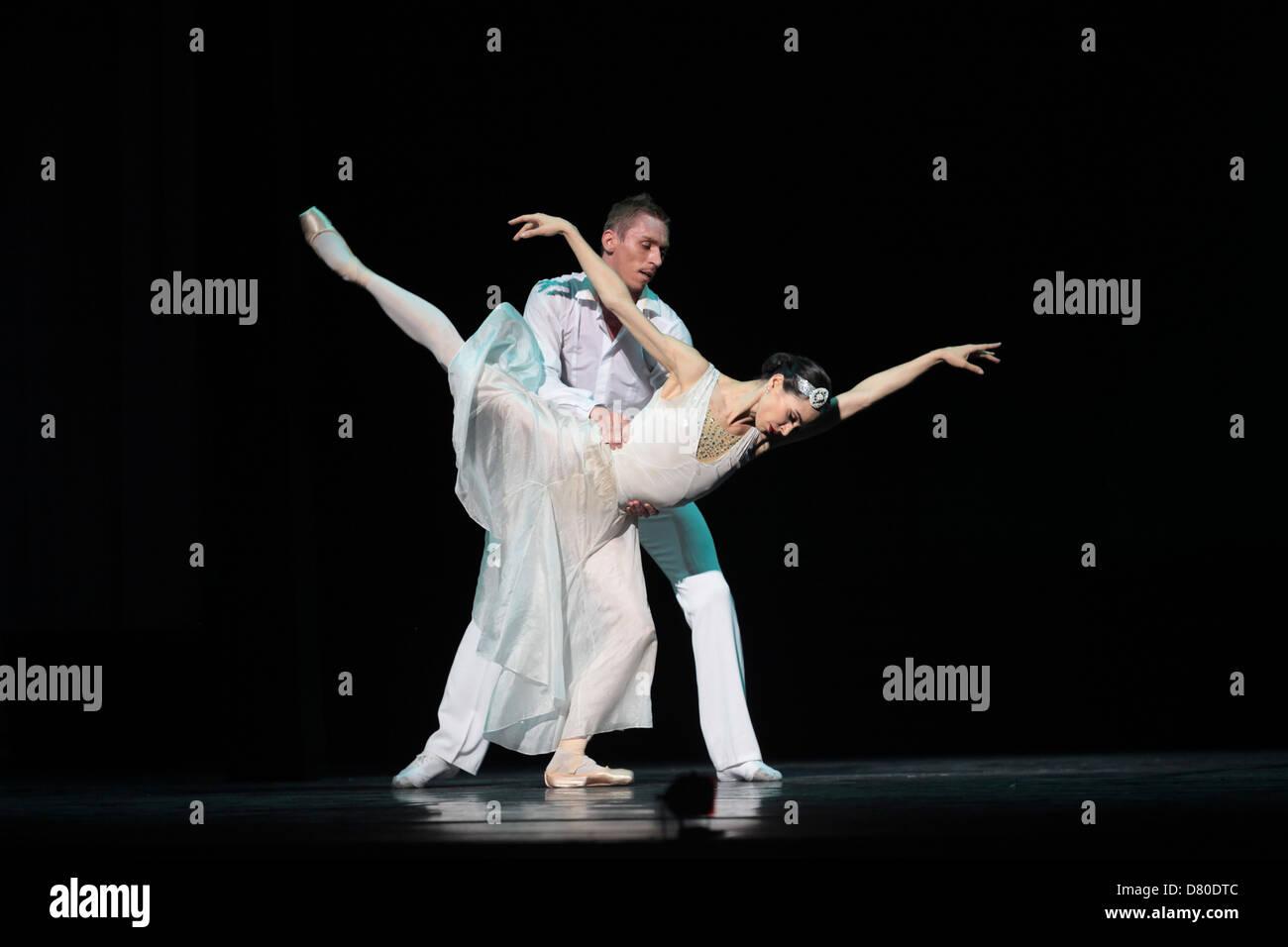 Cinderella, bringt das legendäre Mariinsky Ballet Charles Perraults klassischen Märchen zum Festival. Stockbild