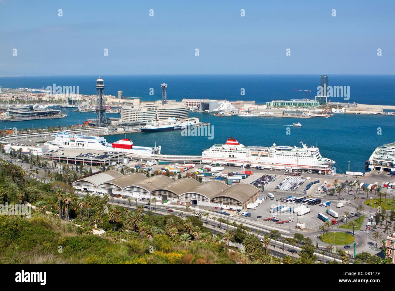 Totale der Schiffe in den Hafen von Barcelona Stockbild
