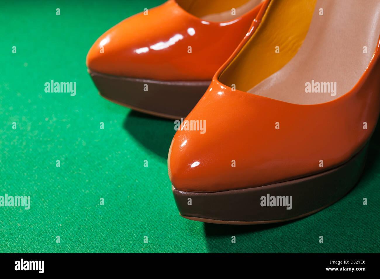 Orange Shoes Stockfotos & Orange Shoes Bilder - Alamy