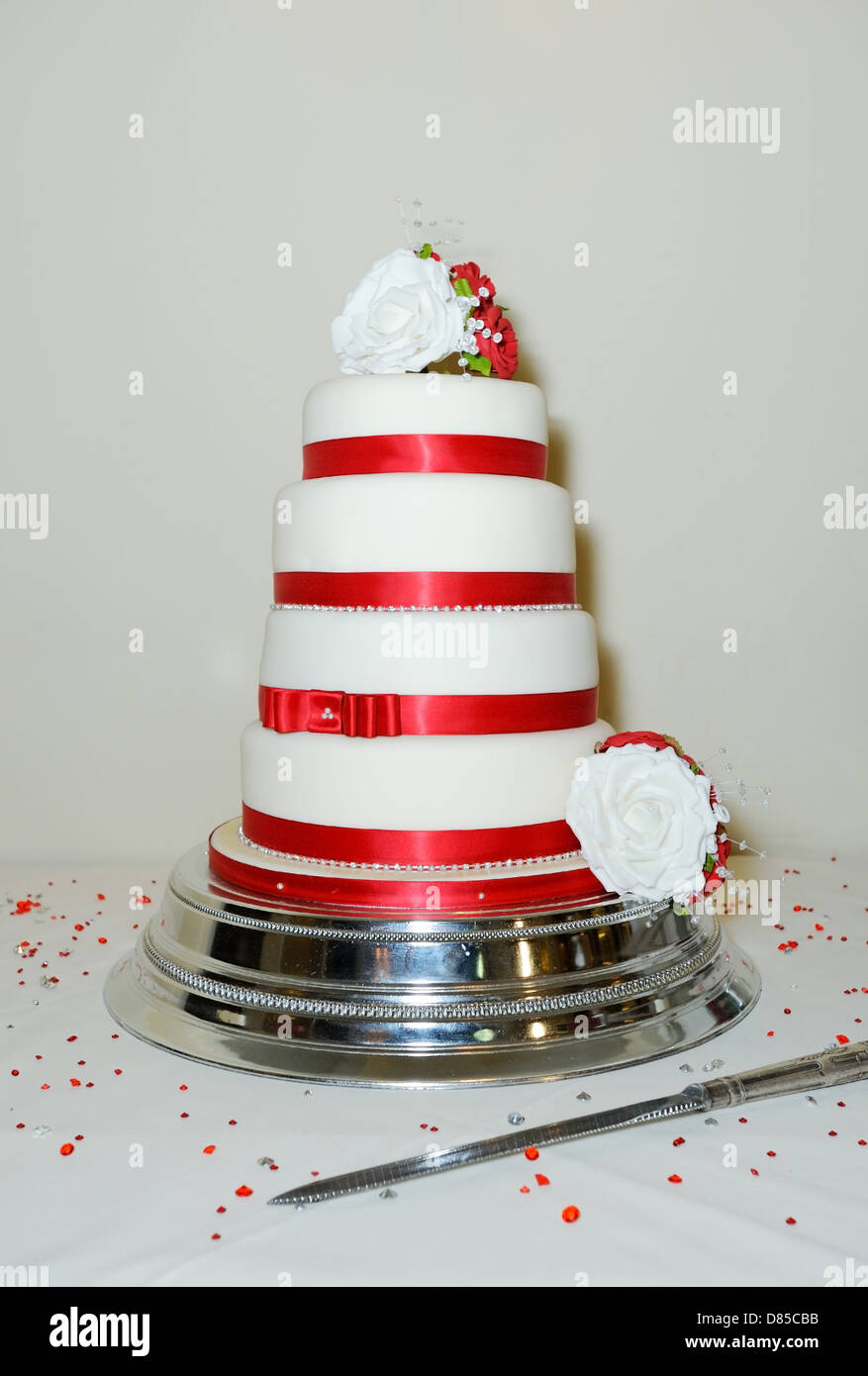 Four Tier Wedding Cake Stockfotos Four Tier Wedding Cake Bilder