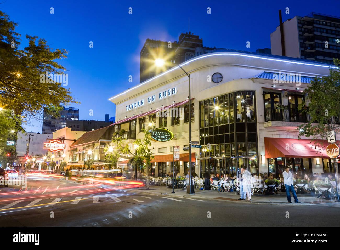 Nachtleben auf Rush Street, Teil der Gold Coast in Chicago, Illinois Stockbild