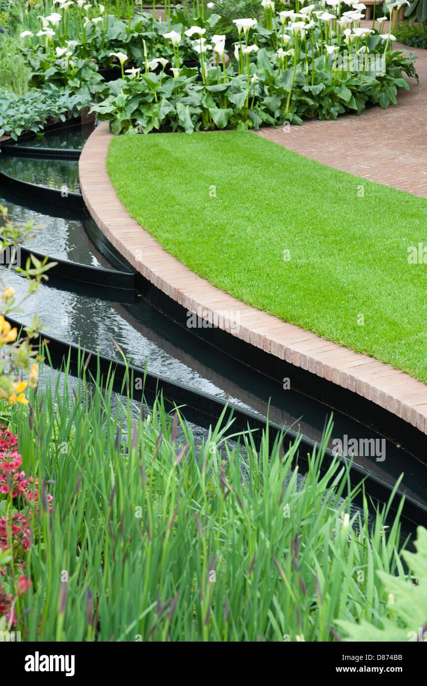 London, UK. 20. Mai 2013. Das East Village Garden entworfen von Marie-Louise Agius bei der RHS Chelsea Flower Show, Stockbild