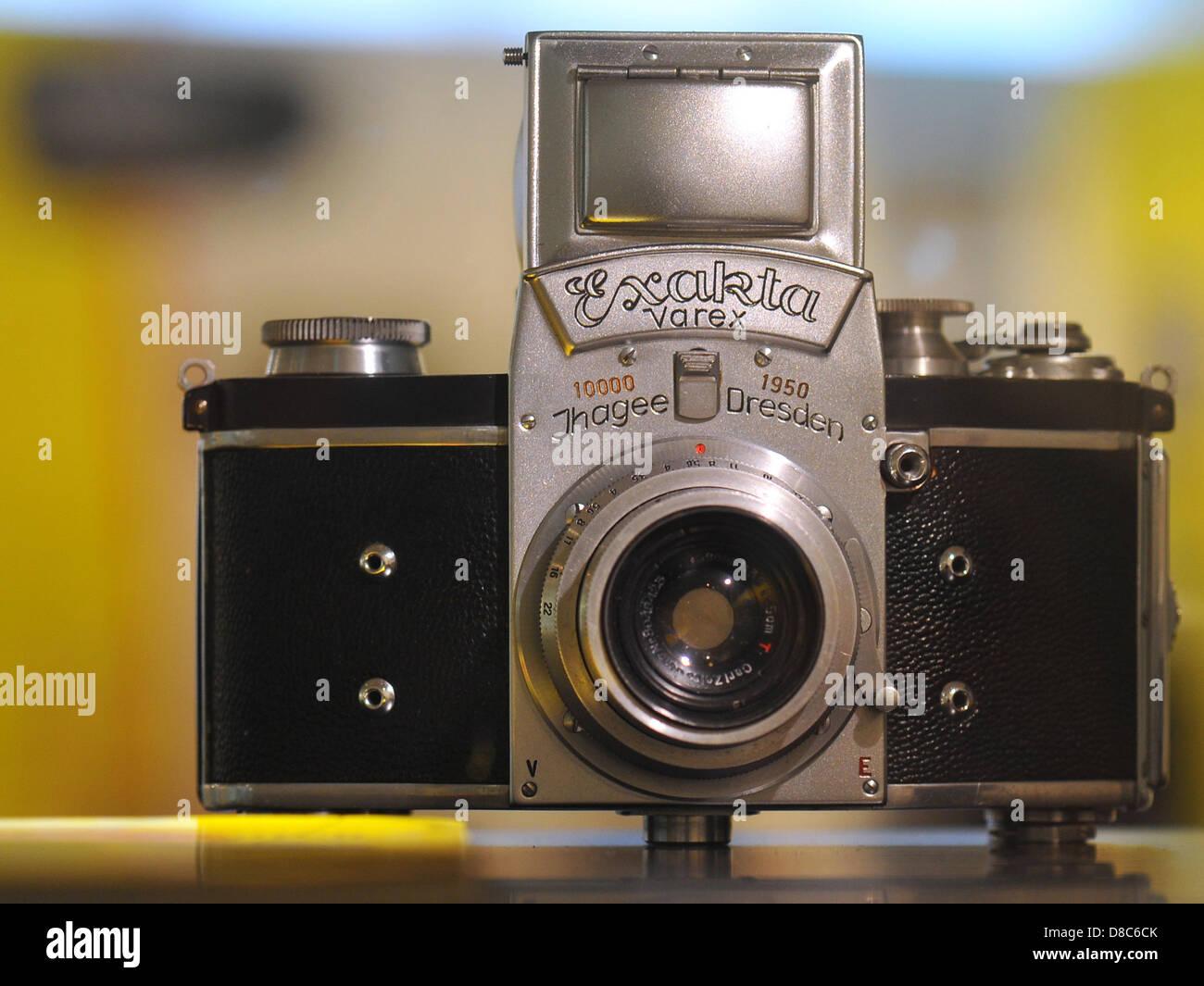 Die ersten einzelnen Spiegel Reflexkameras mit einem auswechselbaren Sucher, die Exakta Varex von 1950, ist auf Stockfoto