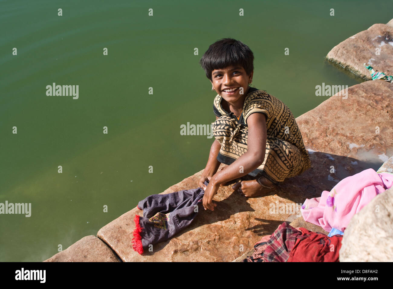 Asien, Indien, Karnataka, Banashankari, näher Waescht Kinderkleidung Stockbild