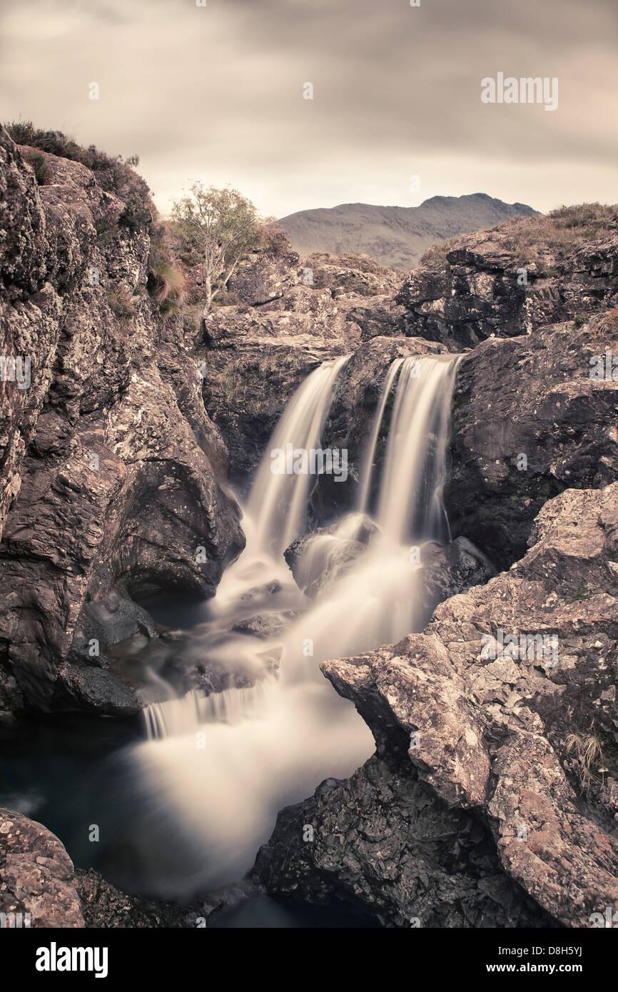 Wasserfall bei der Fee-Pools, Isle Of Skye, Schottland, Vereinigtes Königreich Stockbild