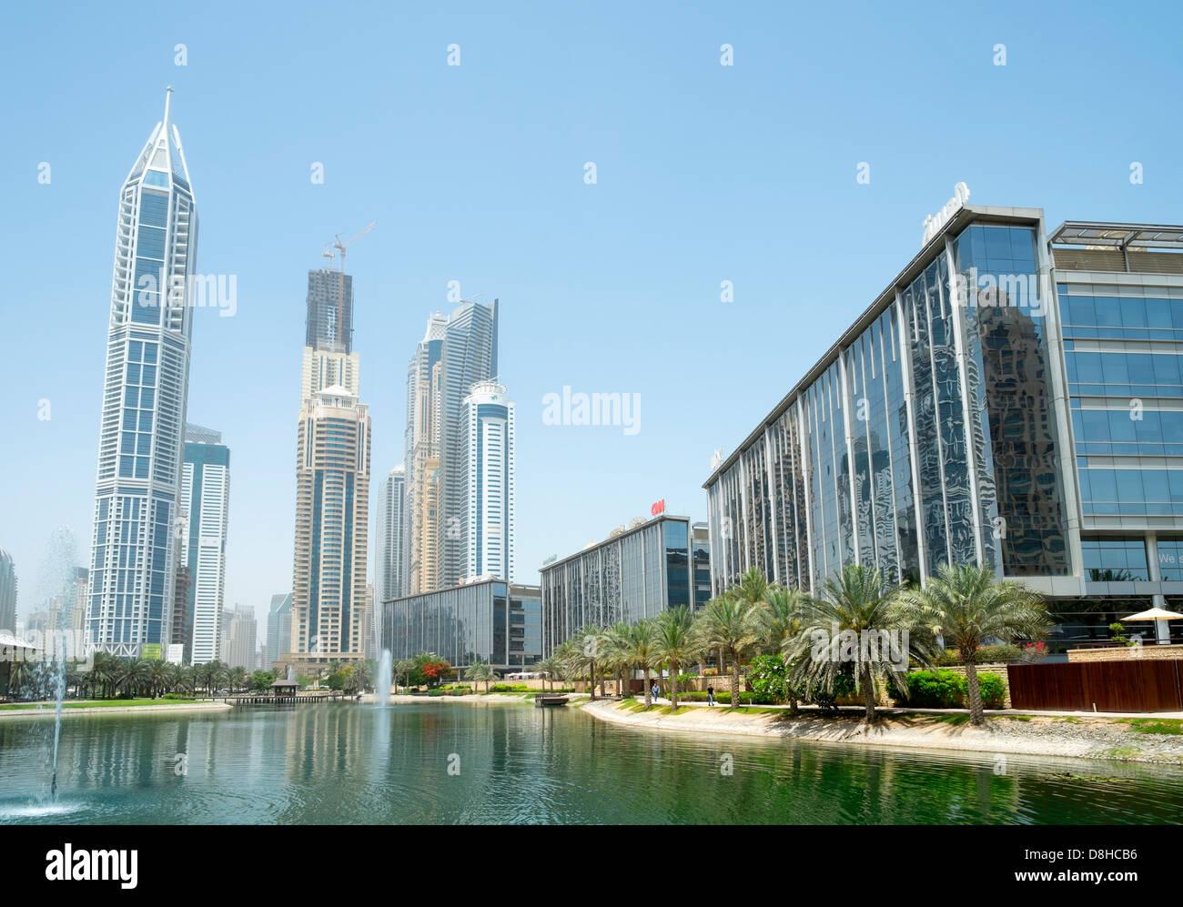 Ansicht von Bürogebäuden im Media City District in Dubai Vereinigte Arabische Emirate Stockfoto