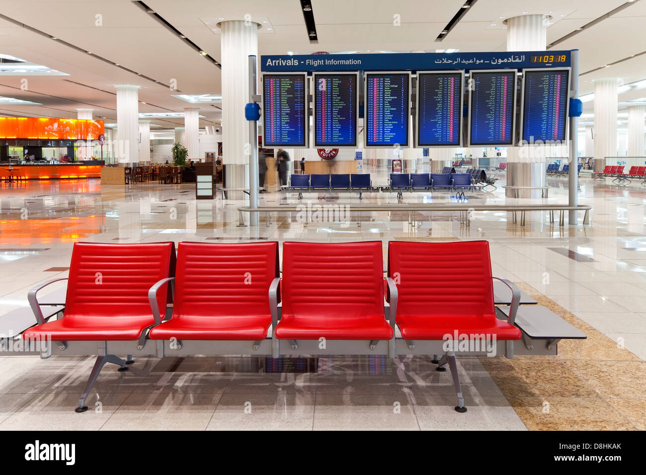 UAE, Vereinigte Arabische Emirate, Dubai, Dubai International Airport, Terminal 3, Ankunftshalle Stockbild