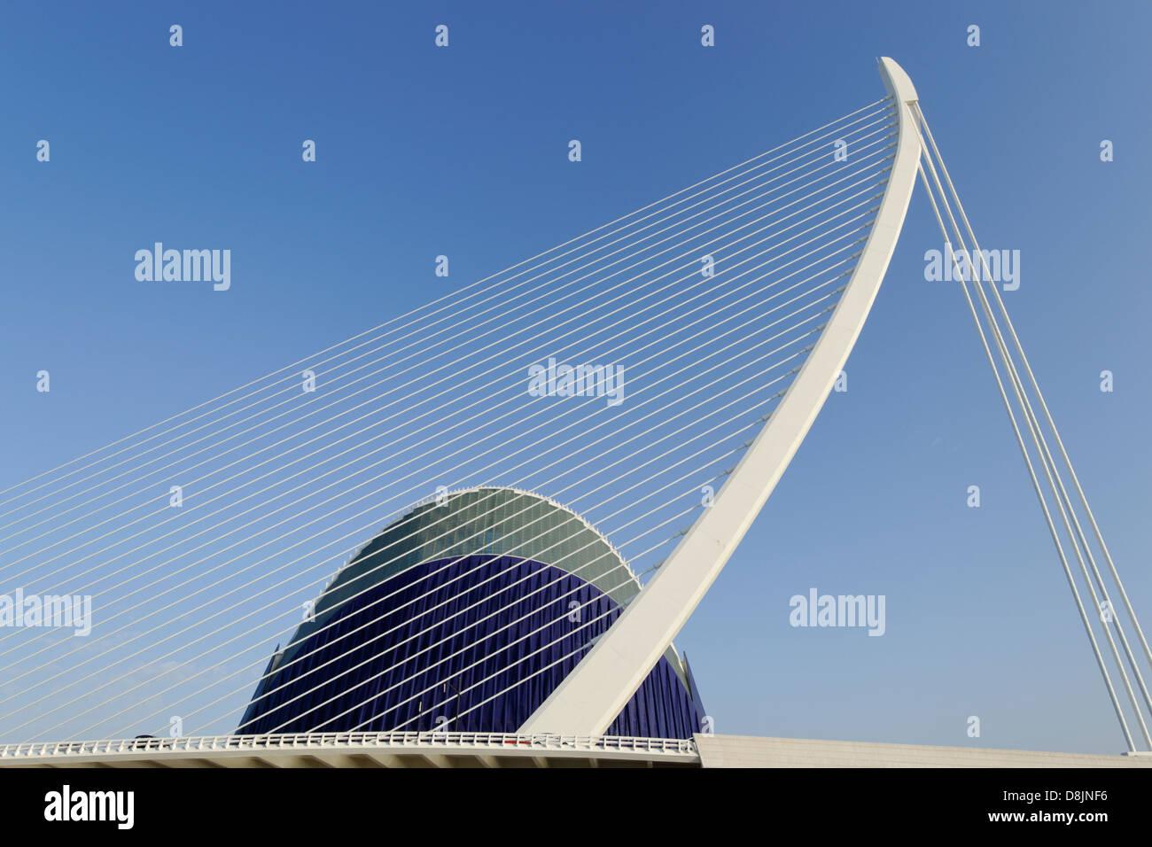 Puente de l'Assut de l ' or und Agora, Stadt der Künste und Wissenschaften, Valencia, Spanien Stockbild