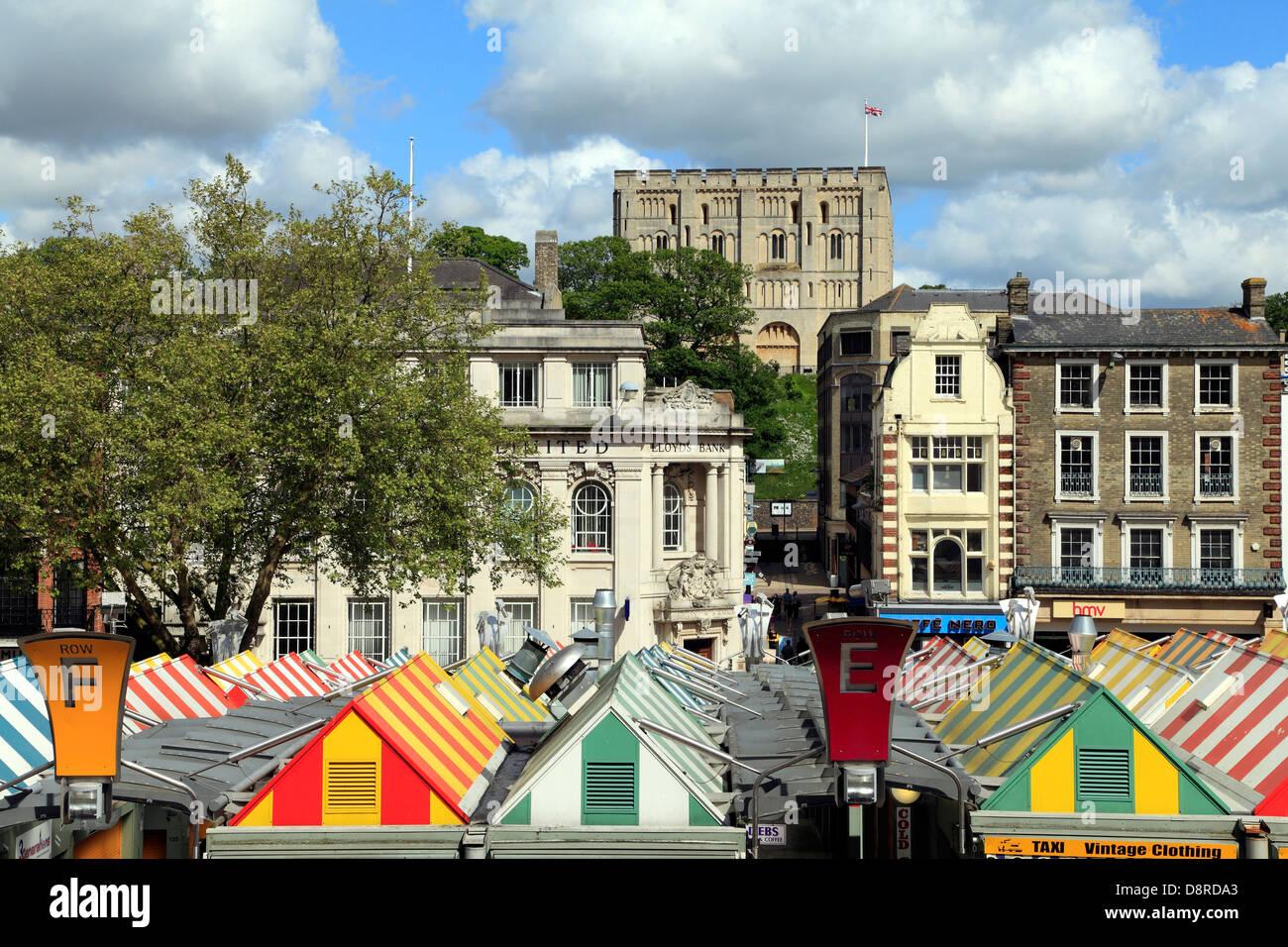 Norwich, bedeckt, Markt, Stadt und Burg, Norfolk, England, UK Stockbild