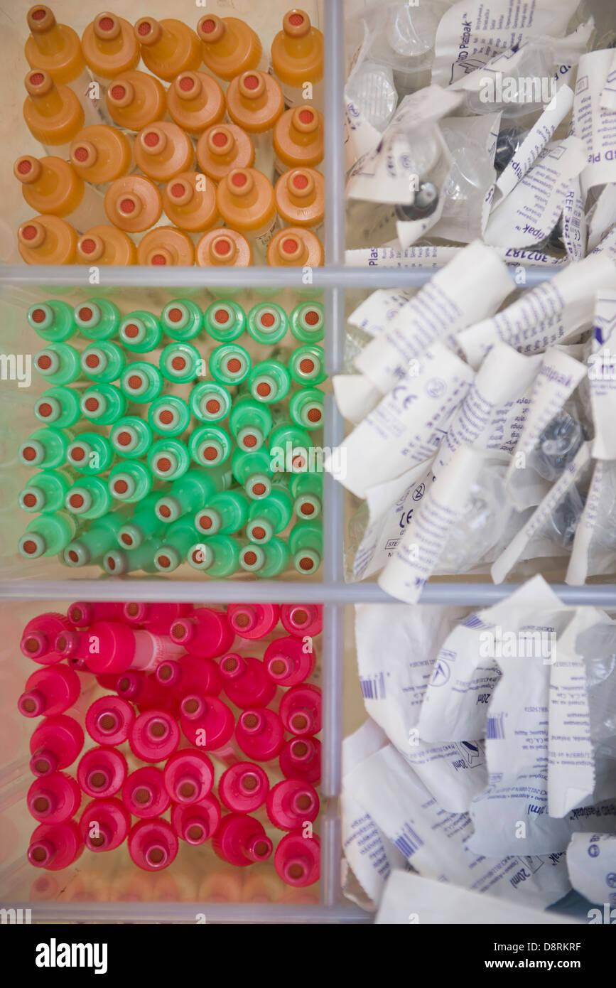 Spritzen in einer modernen Klinik. Stockbild