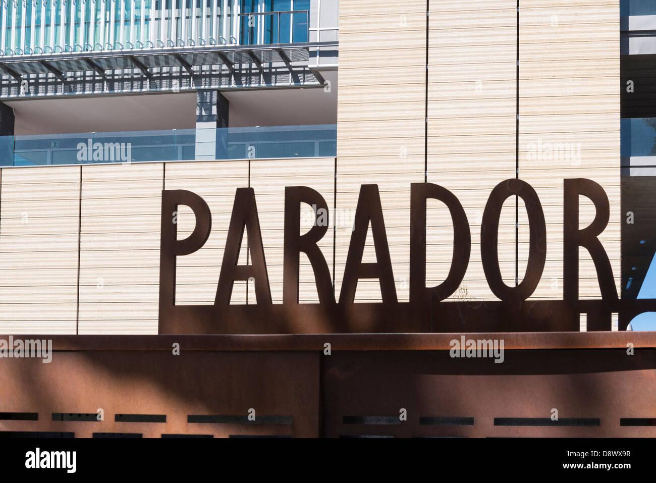 Hotel del Atlantico Parador de Cadiz Ortseingangsschild Cadiz Andalusien Spanien Stockbild