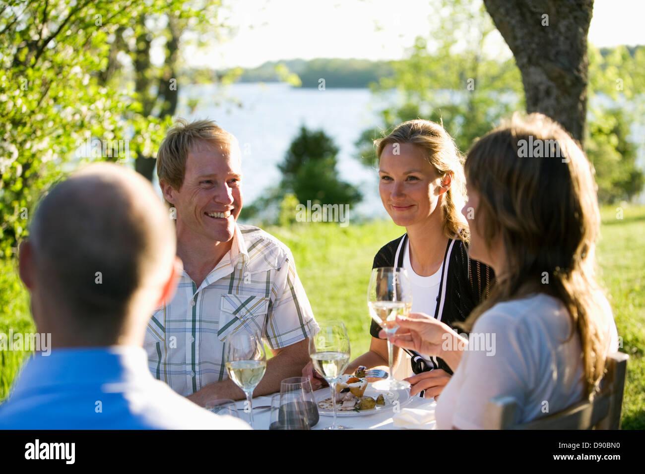 Mittsommer-Party, Fejan, Stockholmer Schären, Schweden. Stockfoto