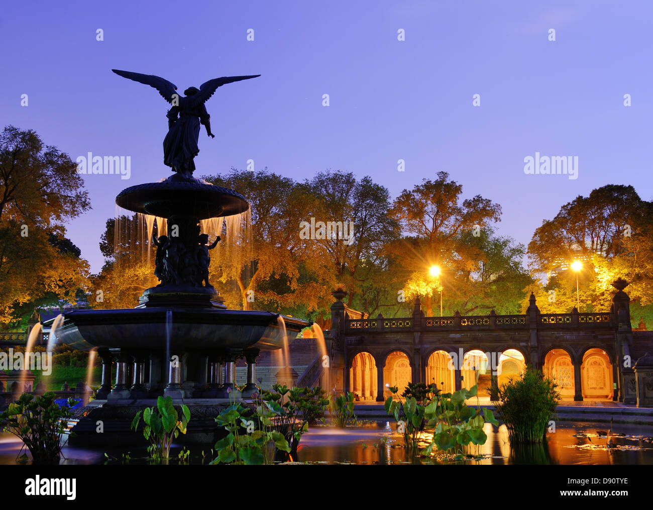 Bethesda Terrasse und Brunnen in New York City. Stockbild